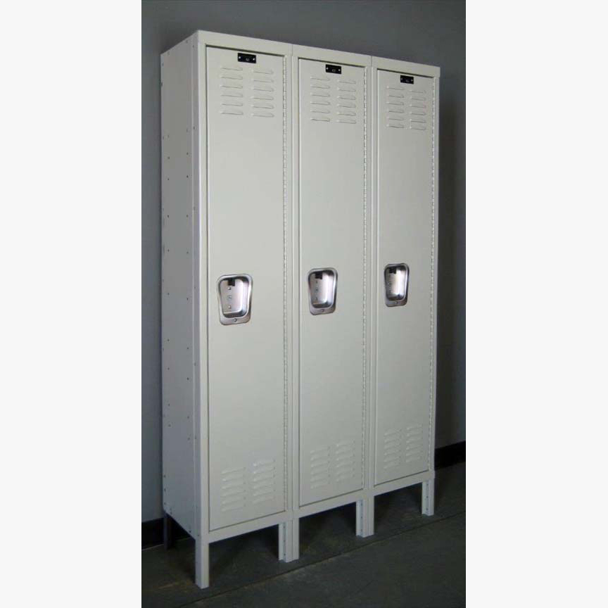 Single Tier Lockers in Nearly New Condition