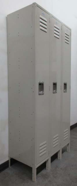 Clothing Locker with coat rod
