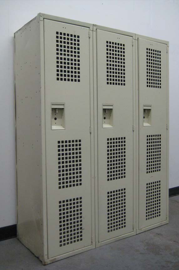 Single Tier Lockers with Ventilated Doors