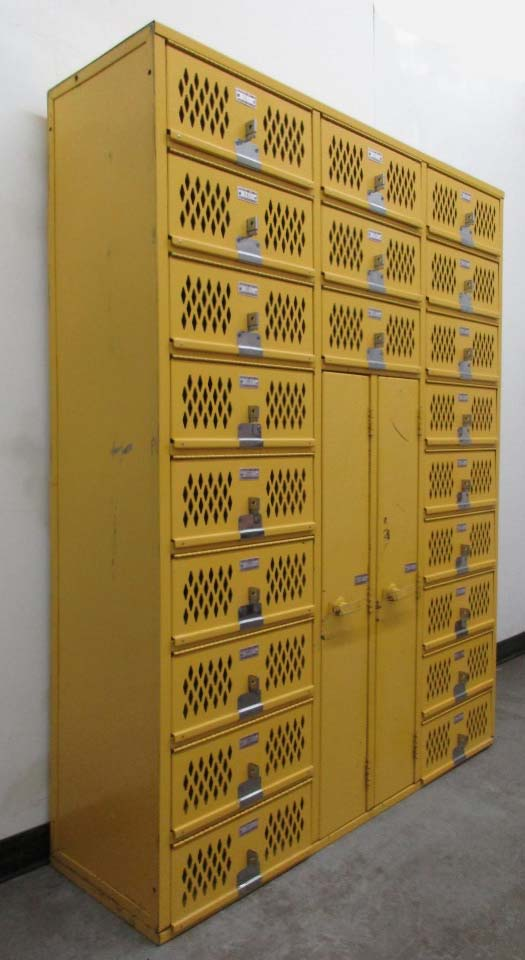 Gym Lockers in Mixed Sizes
