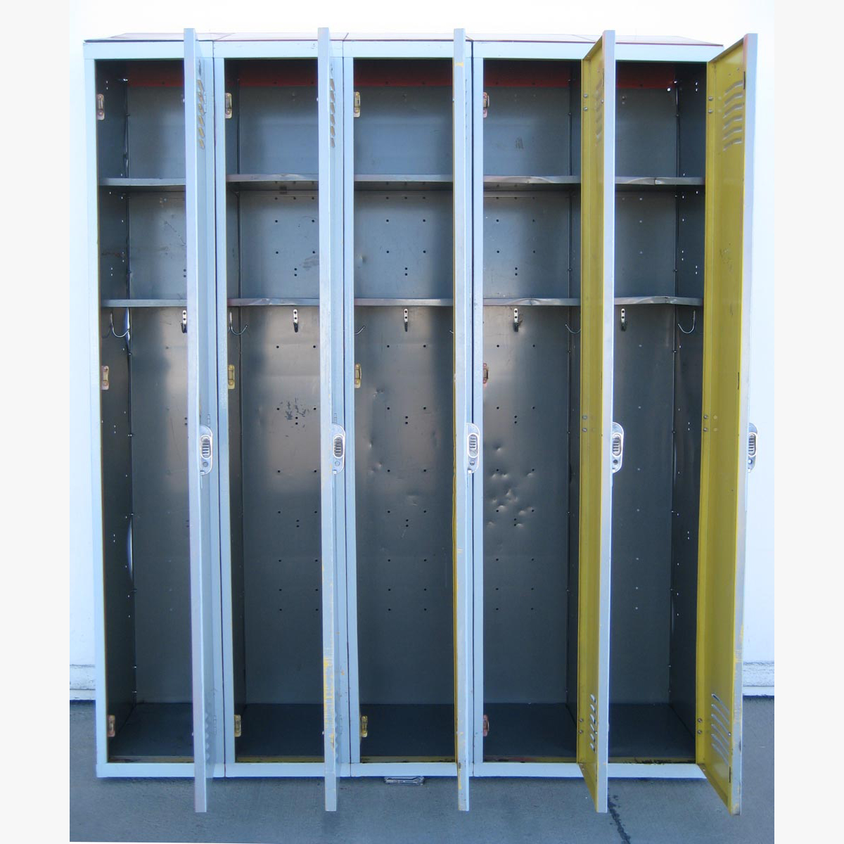 Used Lockers with Sloped Topsimage 4 image 4