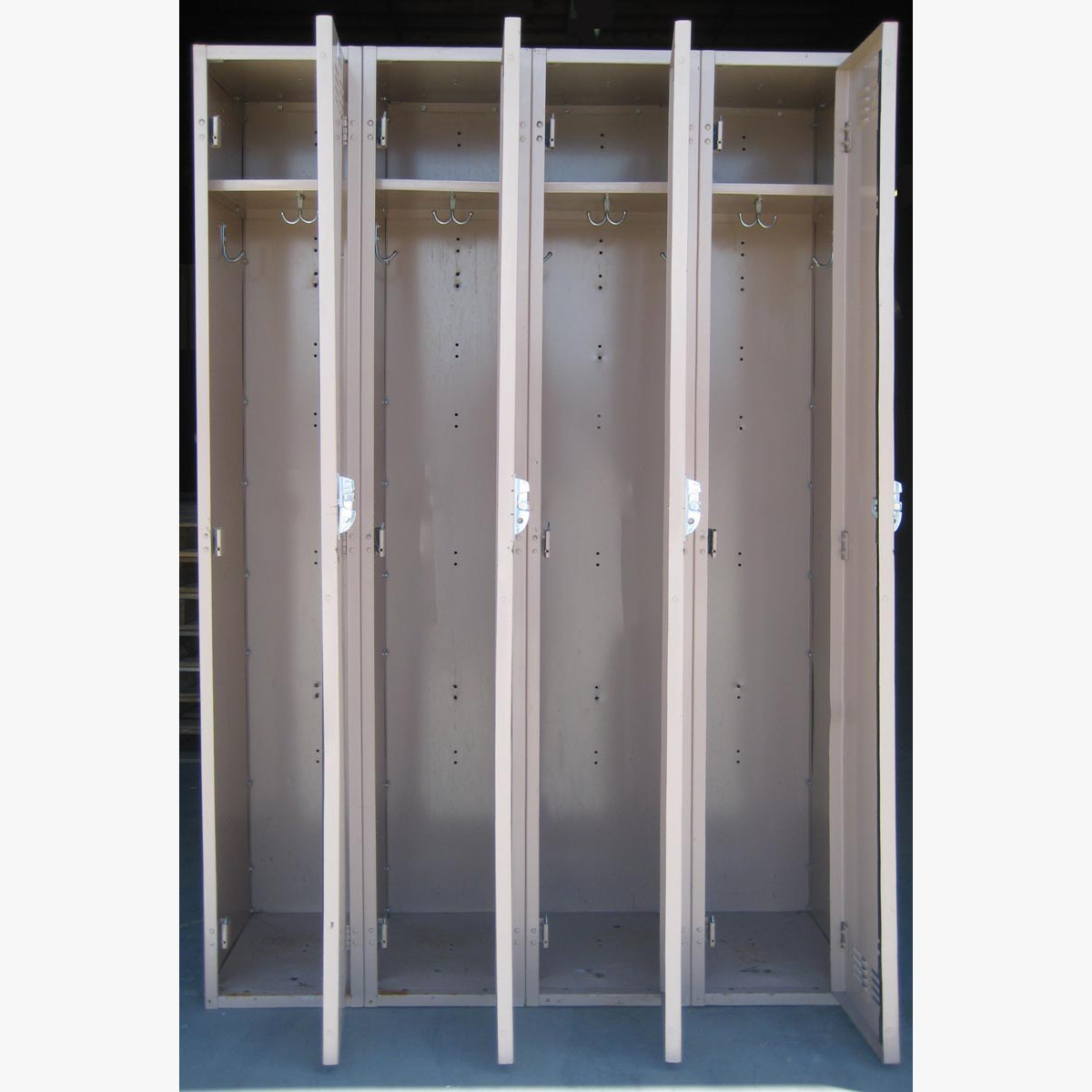 Single Tier Metal Storage Lockersimage 3 image 3