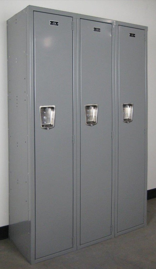 Single Tier Lockers with Solid Doorsimage 1