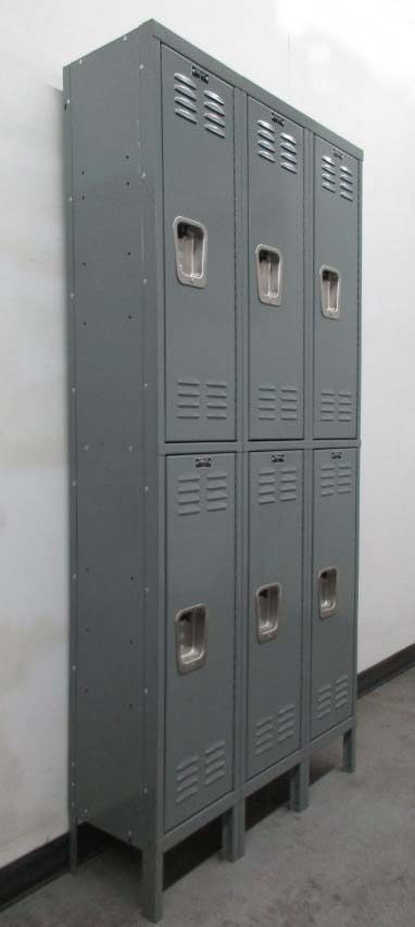 Refurbished Metal lockerimage 1