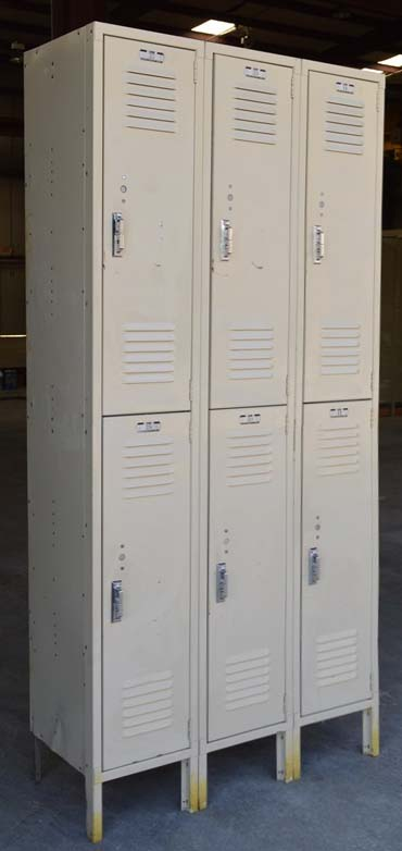 Used Double Tier Lyon Metal Lockersimage 1