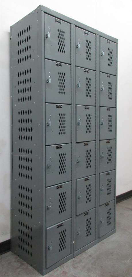 Heavy Duty All-Welded Box Lockersimage 1
